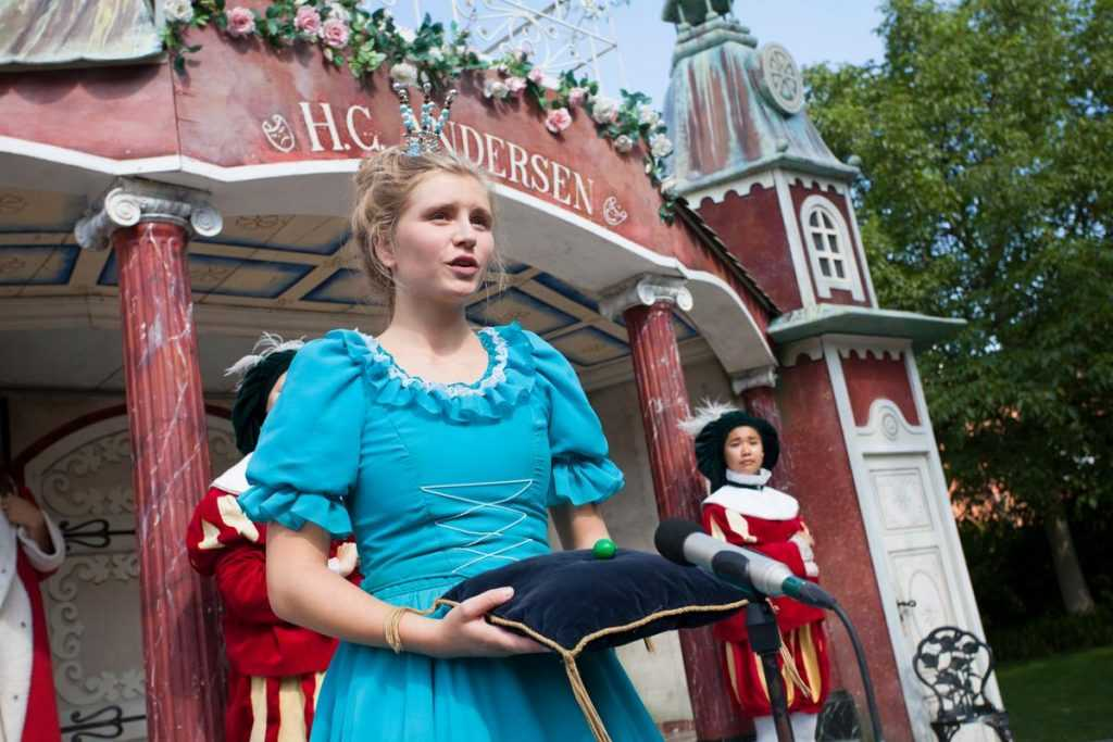 One of the princesses from the Hans Christian Andersen Parade.